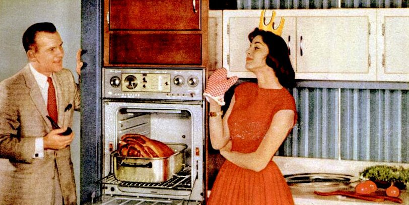The-perfect-50s-housewife