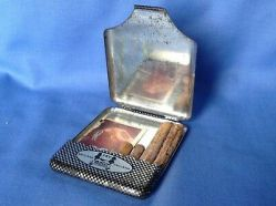 FRYS-CHOCOLATE-CIGARETTE-TIN-CARD-and-SWEETS